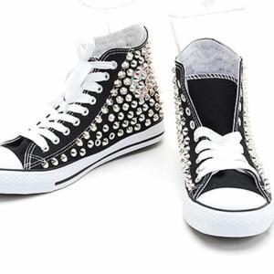 borchie per scarpe online